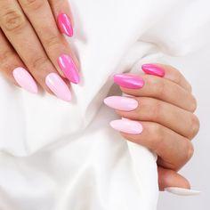 """Różowe perłowe paznokcie hybrydowe / NeoNail / <a href=""""https://www.neonail.pl/inspiracje/rozowa-perla.html"""">Sprawdź produkty</a>"""