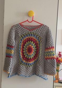 35 Ideas for knitting mittens flower Crochet Jacket, Crochet Poncho, Crochet Cardigan, Crochet Baby, Knit Crochet, Hippie Crochet, Freeform Crochet, Crochet Woman, Knit Mittens