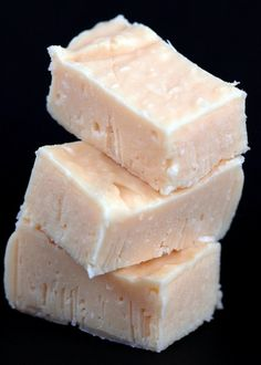 Lime-Coconut Fudge A refreshing and tart take on fudge. Perfect for summer.A refreshing and tart take on fudge. Perfect for summer. Fudge Recipes, Candy Recipes, Dessert Recipes, Sweet Recipes, Key Lime Fudge, Homemade Candies, Just Desserts, Cookies Et Biscuits, Sweet Tooth