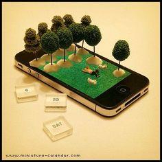 . 6.23 sat . iPhone eco- . 壁面緑化、屋上緑化にならって iPhone緑化、やってみました。 . 地球に優しい(?)iPhoneです。