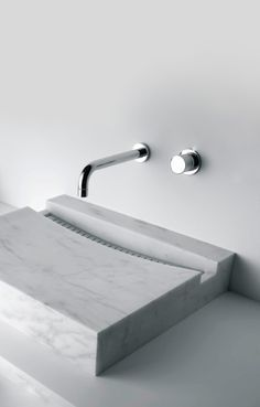 Get inspiration for your work in progress: a new bathroom decor project! Find out the best washbasin and freestanding inspirations for your interior design project at  http://www.maisonvalentina.net/