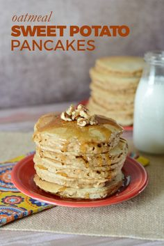 Oatmeal Sweet Potato Pancakes Oatmeal Sweet Potato Pancake recipe — This is a yummy and healthy twist on the basic pancake. Whole wheat flour, oats, and pureed sweet potato! Pancakes Oatmeal, Sweet Potato Pancakes, Breakfast Pancakes, Gourmet Recipes, Dessert Recipes, Dinner Recipes, Brunch Recipes, Easy Recipes, Vegan Recipes