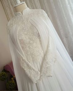 Also prepared as evening dresses in differ. Also prepared as evening dresses in different colors. Muslim Wedding Gown, Muslimah Wedding Dress, Muslim Brides, Wedding Hijab, Disney Wedding Dresses, Pakistani Wedding Dresses, Wedding Gowns, Muslim Couples, Wedding Cakes