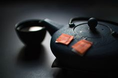 How to make China tea: This guide on how to correctly brew Chinese tea shows you how to make green tea, oolong tea and much more. Making China tea is easy! Best Herbal Tea, Best Tea, Herbal Teas, Weight Loss Tea, Lose Weight, White Tea Benefits, Oolong Tea, Chinese Tea, Losing 10 Pounds