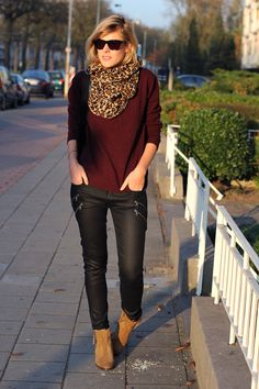 Burgundy sweater and leather look jeans | FASHIONATA