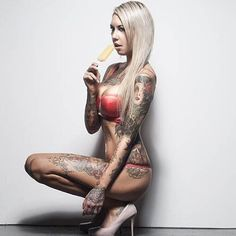 Kandy Maiolo fills her Instagram with beautiful pictures of herself and some pretty weird pictures of her cat. #InkedGirls #InkedGirl #tattooedgirl #girlswithtattoos #Inked #model #tattoos