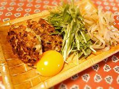 生姜たっぷり入れました♪黄身つけて食べるのは居酒屋さんのパクり(≧▽≦) - 42件のもぐもぐ - 焼きつくね、水菜サラダ、もやしナムル by yukidarumama