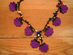 Lilac and Plum Purple Bouquet Necklace - Crochet OYA Lace Necklace Plum Purple, Purple Roses, Crochet Art, Crochet Flowers, Crochet Accessories, Handmade Accessories, Crochet Bracelet, Bijoux Diy, Bohemian Gypsy