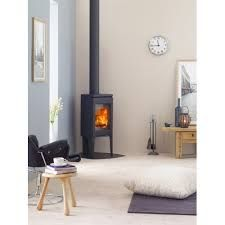 Jotul multifuel, gas & wood burning stoves for sale from Fireplace Products. Wood Stove Surround, Wood Stove Hearth, Gas Stove Fireplace, Pellet Stove, Corner Wood Stove, Stoves For Sale, Into The Woods, Log Burner, Living Room Modern