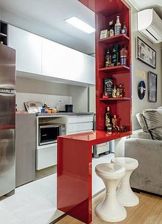 Browse photos of Small kitchen designs. Discover inspiration for your Small kitchen remodel or upgrade with ideas for organization, layout and decor. Apartment Kitchen, Kitchen Interior, Kitchen Decor, Kitchen Ideas, Bar Kitchen, Decorating Kitchen, Apartment Ideas, Space Kitchen, Apartment Design