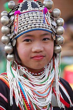 De Akha (ook wel Egor) zijn een bergvolk dat historisch gezien het zuiden van de Chinese provincies Yunnan en Guangjao bewoonde - Akha girl