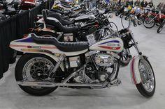 Old Classic Harley-Davidson Motorcycles Classic Harley Davidson, Harley Davidson Street Glide, Harley Davidson Motorcycles, Racing Motorcycles, Vintage Motorcycles, Motorcycle Museum, Motorcycle Gear, Honda Cx500, Super Glide