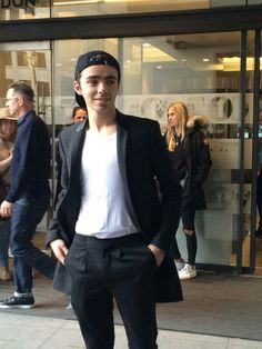 @NathanSykes outside @BBCR1 in London today!