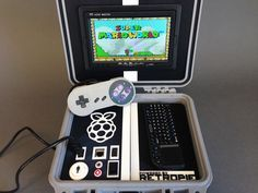 Retro Pie Box - Portable Raspberry Pi Emulation Console by NickRBrewer - Thingiverse Arduino Projects, Electronics Projects, Projetos Raspberry Pi, Cool Diy Projects, Projects To Try, Stem Projects, Raspberry Projects, Raspberry Ideas, Pi Arcade