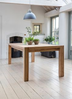 <p>Hanborough 10 Seater Dining Table - Reclaimed  Elm</p>