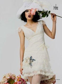 I 10 abiti corti da sposa più moderni per la sposa di primavera 2012