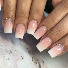'Baby boomer nails' are the modern French manicure French Fade Nails, Faded Nails, Acrylic Nails, Gel Nails, Rose Nails, Dream Nails, Cute Nail Art, Perfect Nails, Nail Polish Colors