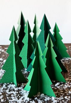 Free Printable Pine Tree Forrest – Paging Supermom – Decorate Christmas Tree Christmas Tree Forest, Unique Christmas Trees, Christmas Colors, Diy Christmas Gifts, White Christmas, Paper Christmas Trees, Paper Trees, Origami Christmas Tree, Homemade Christmas