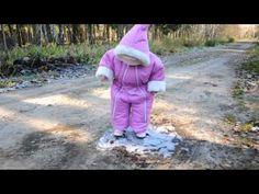 The first walk on the ice (Первая прогулка на льду) - YouTube Cute :)