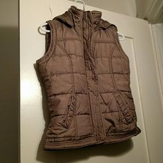 New York & Co. brown vest Great condition! No damages or signs of wear. Very cozy and warm! 85% polyester, 12% nylon New York & Company Jackets & Coats Vests