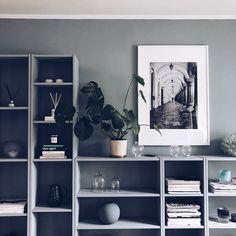 Living Room Interior, Home Living Room, Colour Blocking Interior, Cosy Room, Eclectic Furniture, Wall Storage, Wall Shelves, Beautiful Interior Design, Scandinavian Interior