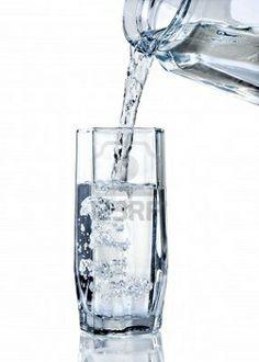 El agua es un componente fundamental para muchos platos porque sirve sobre todo para cucinar ingredientes en temperatura alta. Afortunadamente no es un ingrediente raro.