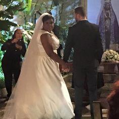 Cacau Protásio ,realizou o sonho de se vestir de noiva e passar a lua de mel na Disney: