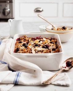This healthy baked oatmeal is one of our go-to weekend brunch recipes, and it's perfect for any celebration. Loaded with fresh fruit, coconut flakes, almonds, hemp seeds & cinnamon, it's nutty, lightly sweet & nutritious. Vegan and gluten-free. Vegan Baked Oatmeal, Baked Oatmeal Recipes, Cooking Oatmeal, Pecan Recipes, Amish Recipes, Meatloaf Recipes, Easter Recipes, Brunch Recipes, Dessert Recipes