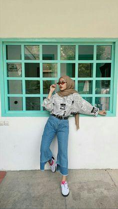 Hijab Fashion Summer, Modern Hijab Fashion, Street Hijab Fashion, Muslim Fashion, Aesthetic Fashion, Aesthetic Clothes, Fashion Outfits, Fashion Tips, Retro Outfits