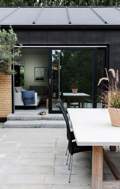 Backyard Cabin, I Love House, Exterior Cladding, Exterior House Colors, Outdoor Furniture Sets, Outdoor Decor, Facade Design, Home Fashion, Apartment Interior