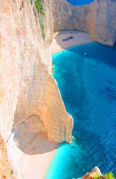 Zante o Zacintos (Zakinthos) es una isla griega del grupo de las islas Jónicas.