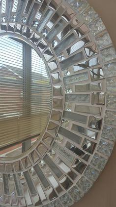 Mirror Mosaic, Mirror Tiles, Mirror Art, Mosaic Art, Mosaic Glass, Mosaic Tiles, Mosaic Crafts, Mosaic Projects, Mosaic Designs
