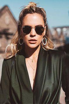 Ray ban round metal,buy your ray ban round metal 001 gold sunglasses from v Xavier Rudd, Model Street Style, Street Style Women, Blake Steven, Round Ray Bans, Ray Ban Wayfarer, Man Ray, Junior, Milan Fashion Weeks
