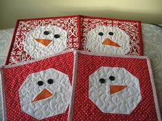 Snowmen are often made as part of a family project in celebration of winter. Here are some *free* snowman and snowflake quilt patterns and t. Christmas Mug Rugs, Christmas Sewing, Christmas Quilting, Christmas Ideas, Christmas Thoughts, Christmas Snowman, Christmas Stuff, Christmas Cards, Merry Christmas