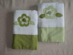 2 fraldas tipo luxo com barra e aplicação em patchwork com bordado em tecido100% algodão