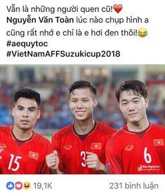 """#wattpad #fanfiction #Một góc nhỏ dành cho U23 Việt Nam và đồng bọn! Niềm tin đó sẽ mãi mãi không bao giờ phai mờ! #Thời điểm viết: Affcup 2018 #Nhưng nội dung vẫn là U23. Ngoài ra có thêm một vài thành viên khác! """" Tớ cũng không biết bao giờ sẽ ra chap mới đâu, vì năm nay tớ cuối cấp nên còn phải tuỳ thời gian nữa, nh... Idol"""