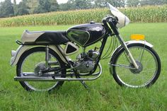 Small Motorcycles, Racing, Bike, Vehicles, Board, Sports, Mopeds, Old Bikes, Old Motorcycles