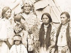 Mythology and Folklore UN-Textbook: Heroes: Dirty-Boy Week 10 Reading Favorite Native American Regalia, Native American Photos, Native American Women, Native American History, Cascade National Park, North Cascades National Park, Cherokee Nation, Pictures Of People, Native Indian