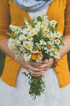 ana rosa t wild flower weddingdaisies bouquetwildflower wedding bouquetswild