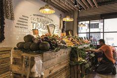 4 fruit sa2pe Fresco, Fruit And Veg Shop, Deli Shop, New Fruit, Fruit Fruit, Le Hangar, Vegetable Shop, Funny Fruit, Green Bar
