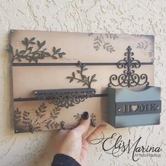 Decoupage Vintage, Pintura Country, Scroll Saw, Wood Projects, Diy Home Decor, Stencils, Woodworking, Wall Art, Crafts
