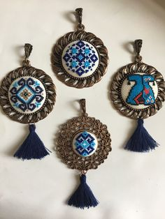 Small Cross Stitch, Cross Stitch Art, Cross Stitch Alphabet, Cross Stitching, Hand Embroidery Stitches, Cross Stitch Embroidery, Handmade Beads, Handmade Jewelry, Cross Stitch Collection