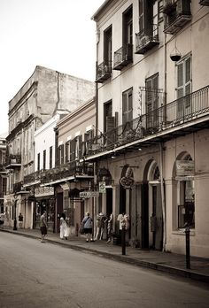 French Quarter, New Orleans, Louisiana, USA New Orleans Homes, New Orleans Louisiana, Louisiana Swamp, Louisiana Usa, Oh The Places You'll Go, Places To Travel, Places Ive Been, New Orleans French Quarter, Us Destinations