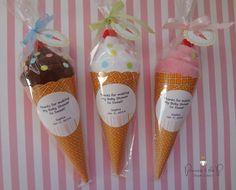 12CT Washcloth Ice Cream Cone Diaper Cake door PrincessAndThePbaby