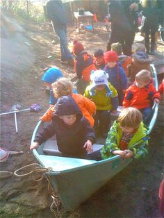 Teacher Tom: outdoor play - now where can we get an old boat from!!! I want this in our playground :)