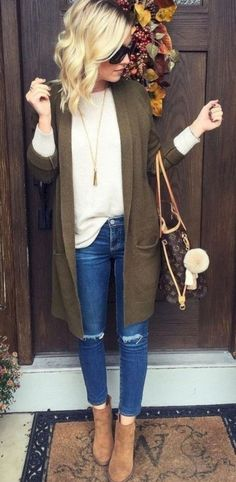 25 Women Casual Outfits For Fall Women Casual Outfits For Fall. Casual outfits are always actual for shopping, walks, dates, meetings and other occasions, and today have a look at cool casual girl outfits for fall Winter Outfits 2017, Winter Outfits Women, Casual Winter Outfits, Winter Fashion Outfits, Look Fashion, Fall Outfits, Autumn Fashion, Womens Fashion, Outfit Winter