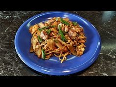 Japchae, Spaghetti, Meat, Chicken, Ethnic Recipes, Youtube, Food, Asia, Bulgur