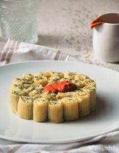 Pasta rellena de brandada de bacalao con crema de piquillos | L'Exquisit