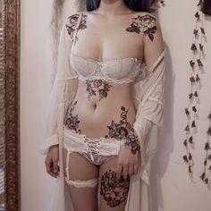 By @zihwa_tattooer #womenwithink #womenwithtattoos #blackwork #blackinkedart #flowers #floraltattoo #flowertattoo #girlswithink #girlswithtattoos #modelswithink #modelswithtattoos #ink #inked #inkedlife #inkedgirls #inkedwomen #tattoo #tattoos...