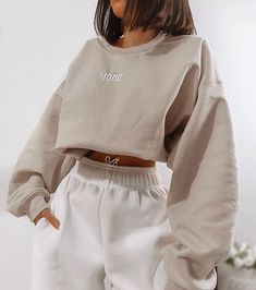 missy empire Scarlet Beige Mood Slogan Oversized Sweatshirt Source by heyther.-- missy empire Scarlet Beige Mood Slogan Oversized Sweatshirt Source by heythereitslilah ideas for teens Cute Lazy Outfits, Chill Outfits, Mode Outfits, Stylish Outfits, Summer Outfits, Casual Comfy Outfits, Movie Night Outfits, White Girl Outfits, Female Outfits